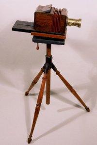 máy ảnh sử dụng phương pháp Đage
