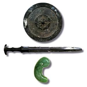 Tam Chủng Thần Khí của Nhật Bản: Gương Báu, Gươm Báu và Ngọc Báu